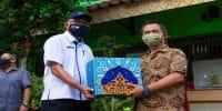 MRT Jakarta Serahkan 1.181 Paket Sembako