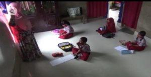 Guru SDN Kota Kendari Mengajar Door to Door
