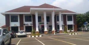 Pengadilan Negeri Karawang Ditutup Sementara
